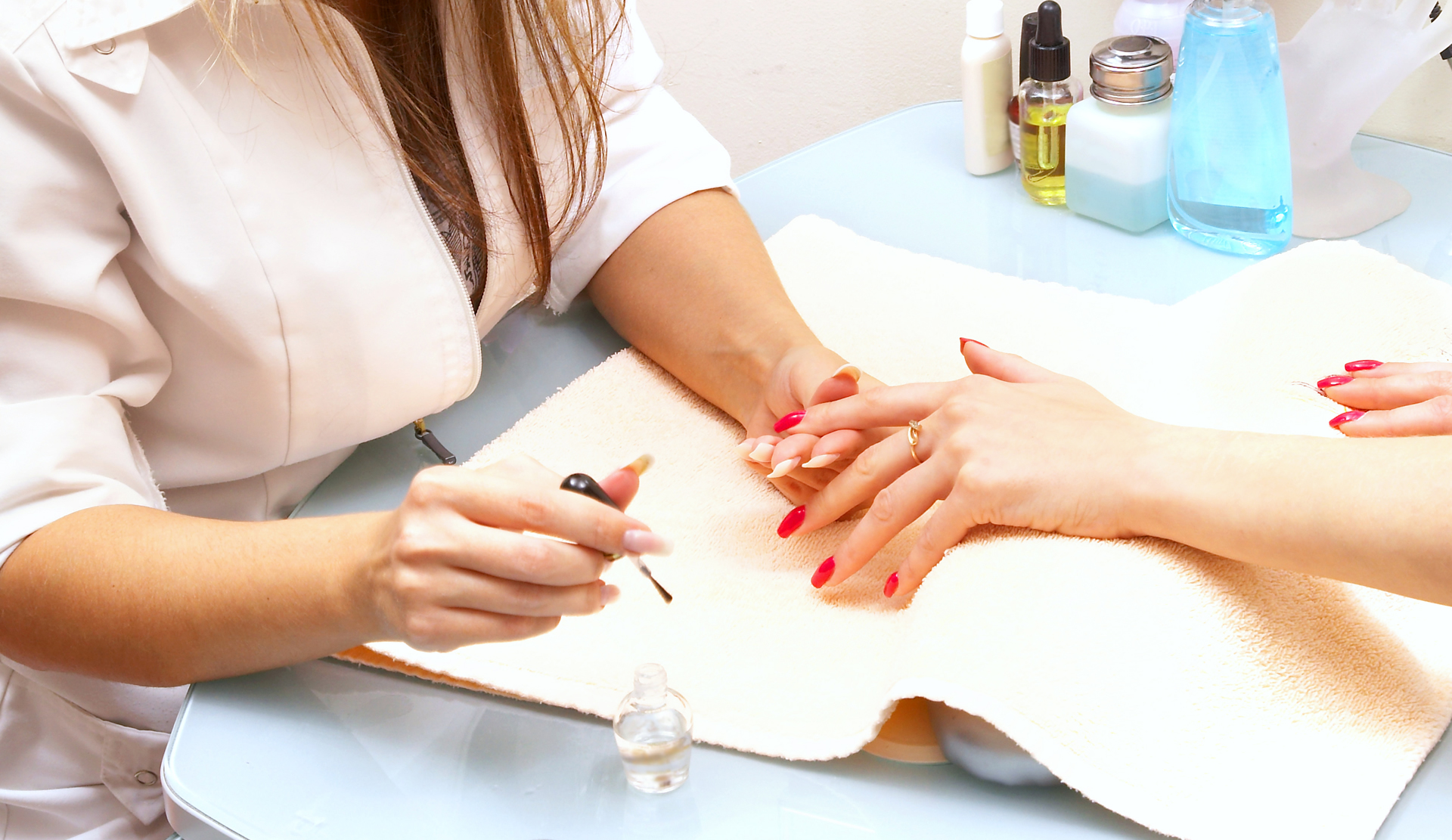 Interested in seeing a nail spa expert? Here's why you should go ahead with it right now!