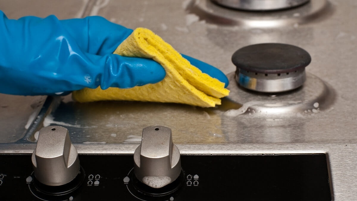 Food safety measures and restaurant cleaning